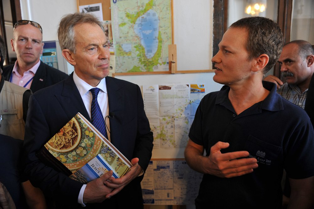 Tony Blair visits the Fauzi Azar Inn